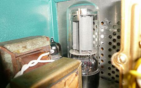 DL-55. Две лампы: 6н2п и 6п3с