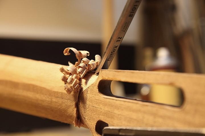 Обработка шейки ручки грифа